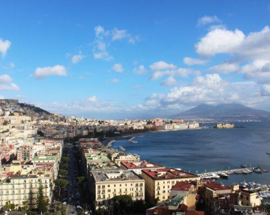 giugno a Napoli