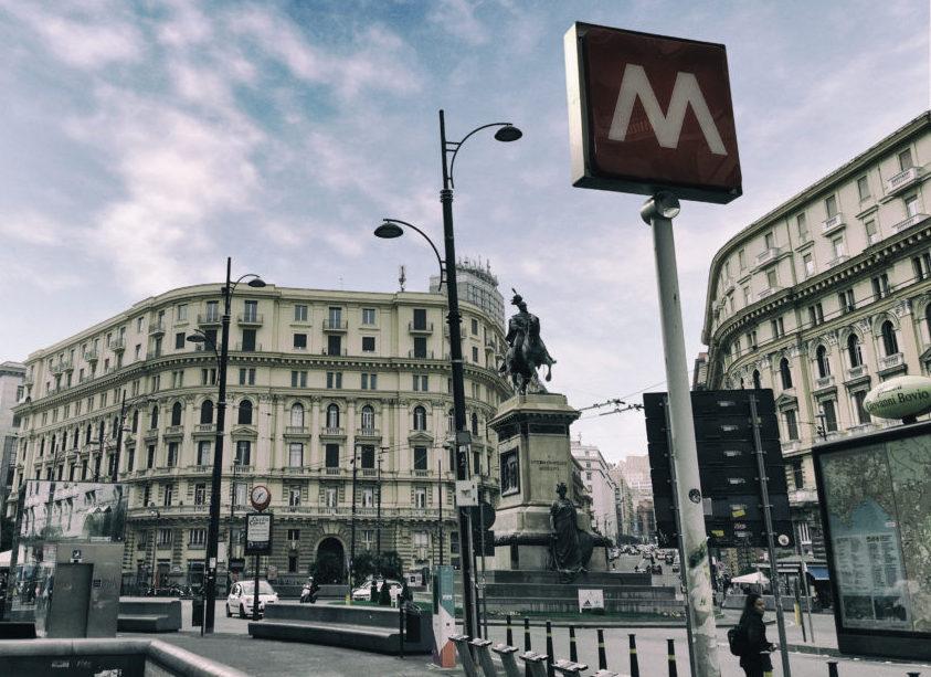 Piazza Borsa o Piazza Bovio?
