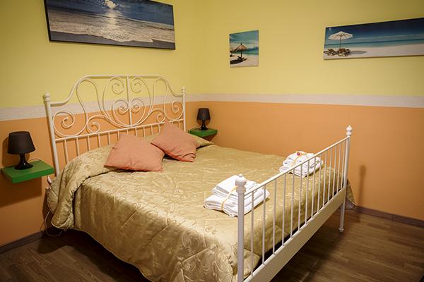 Camera matrimoniale standard con bagno privato esterno le 4 stagioni bed and breakfast - Ostelli londra con bagno privato ...